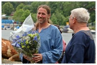 Geir Røvik fikk blomster for innsatsen så langt. Foto Jørgen Kirsebom