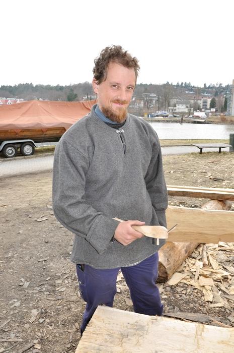Egil Sagerøy er en god mann å ty til når det melder seg et praktisk problem på byggeplassen. (Foto: Wenche Samnøy)