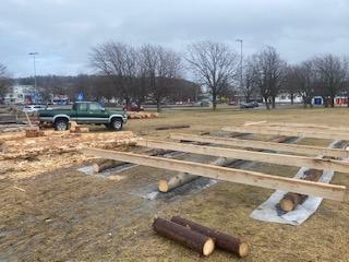 Fundamentet til grindbygget er på plass.