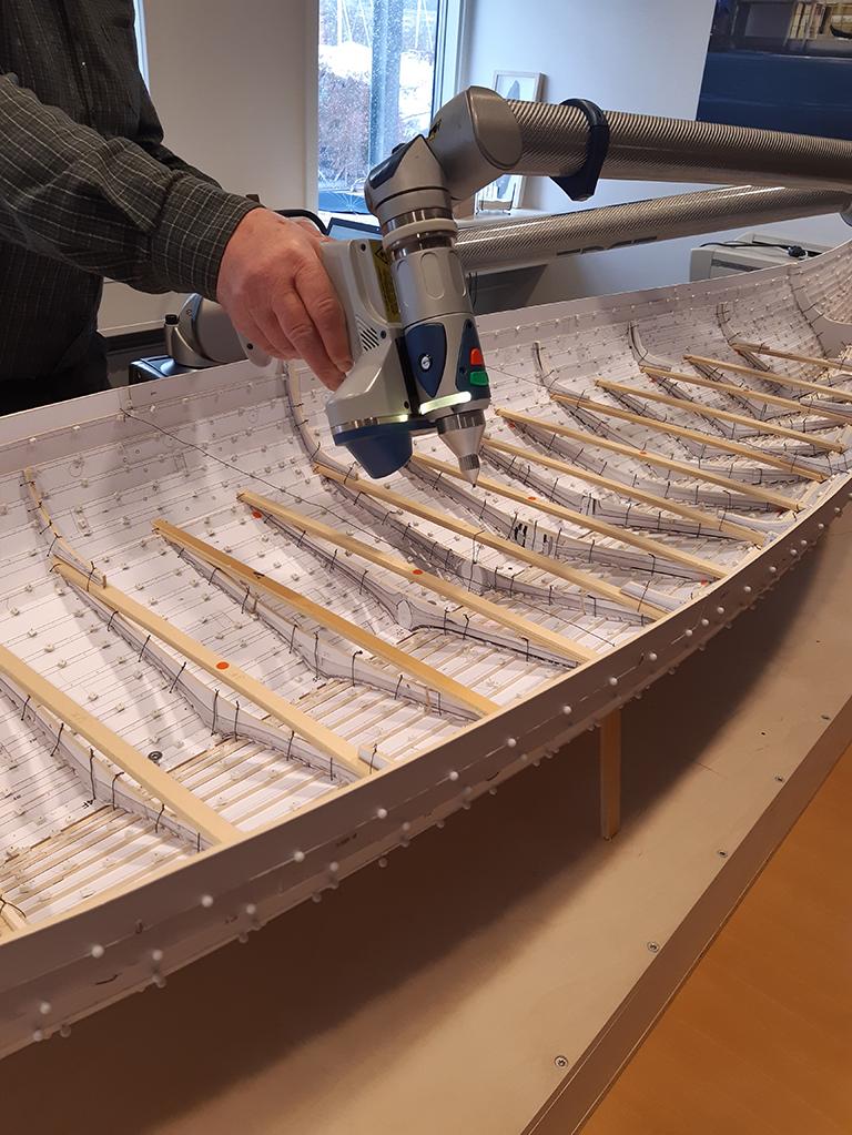 Oppmåling av skalamodellen av Gokstadskipet