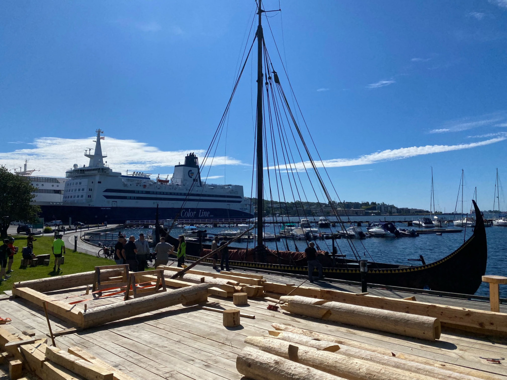 GAIA legger til ved byggeplassen i Sandefjord. Foto: Tore Forberg